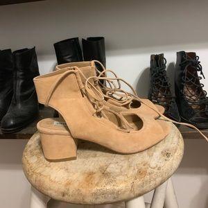 SteveMadden short heels! Size 6.5